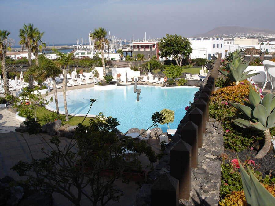 Hotelpool auf Lanzarote