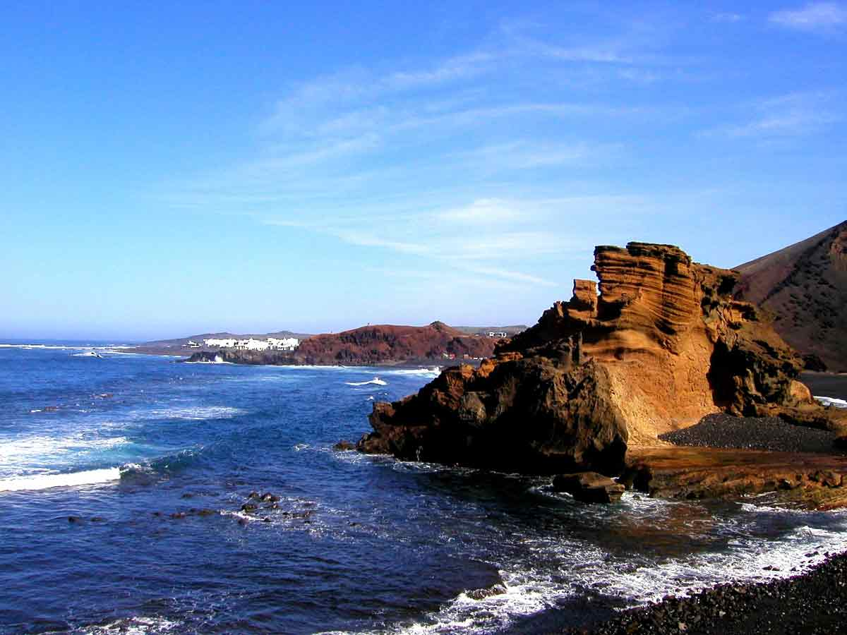 Spiaggia rocciosa di Lanzarote