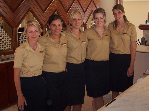 internships-abroad-reception-team