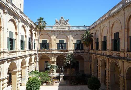 Stage in hotel retribuito Malta